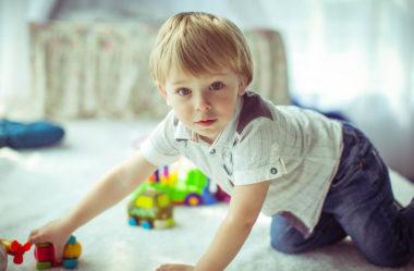7 Dicas Incríveis Para Fazer Seu Filho Guardar os Brinquedos